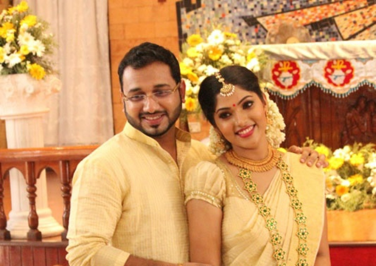 Muktha – Rinku Tomy Engagement Pictures